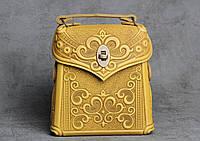 Кожаный жёлтый рюкзак ручной работы, сумочка-рюкзак с авторским тиснением, фото 1