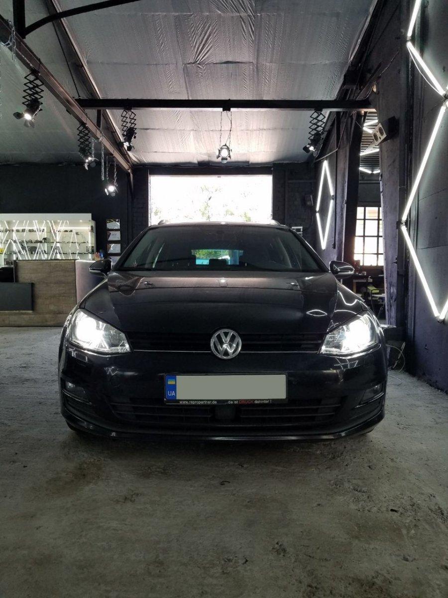 Установка LED линз Volkswagen Golf 2015 г.в.