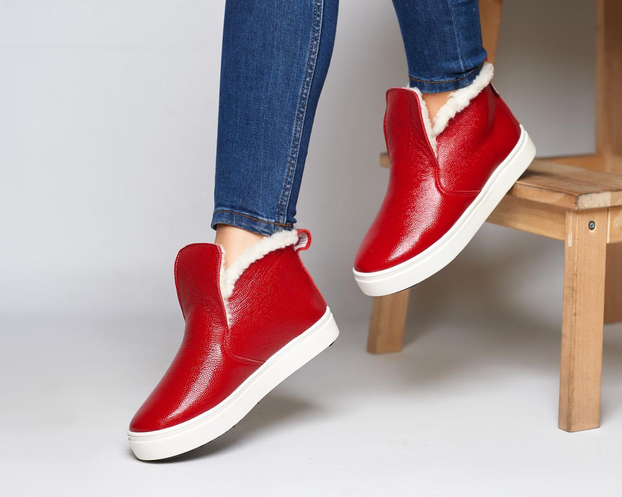 Женские зимние красные ботинки лаковые на низком ходу Ankle slip