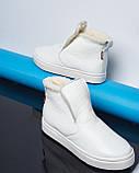 Белые зимние ботинки лаковые на низком ходу Ankle slip, фото 6