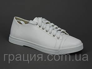 Білі жіночі туфлі на шнурівці