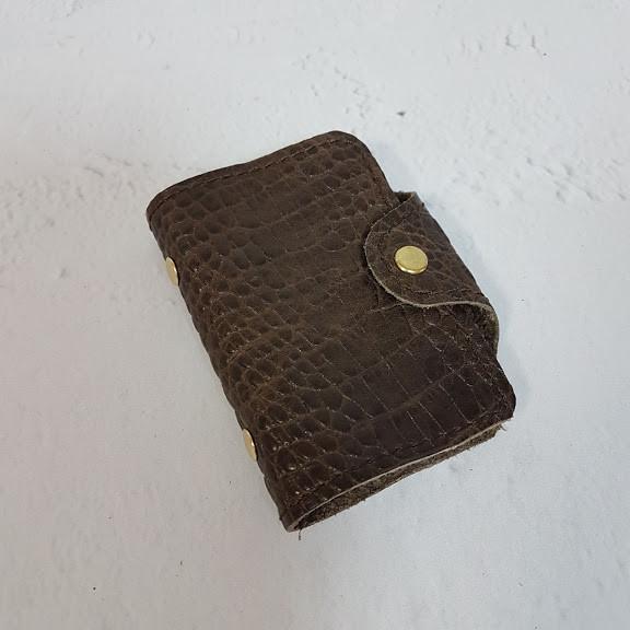 Картхолдер з файлами - натуральна шкіра, коричневий з тисненням під крокодила