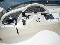 Моторная яхта «Азимут 46», сегодня есть для аренды, и проката в Одессе — включая экипаж.