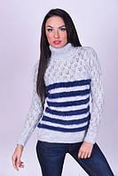 Теплый женский свитер под горло