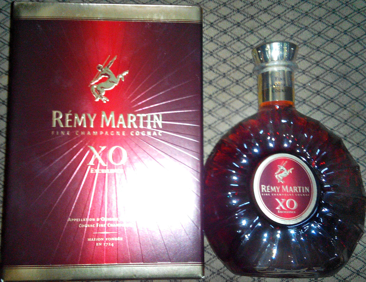 Французский коньяк Remy Martin XO 0.7л