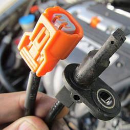 Замена датчика ABS в легковом автомобиле