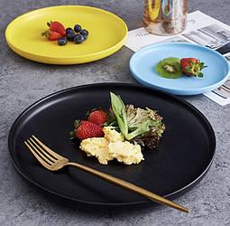 Керамическая посуда разных цветов. RD-3255