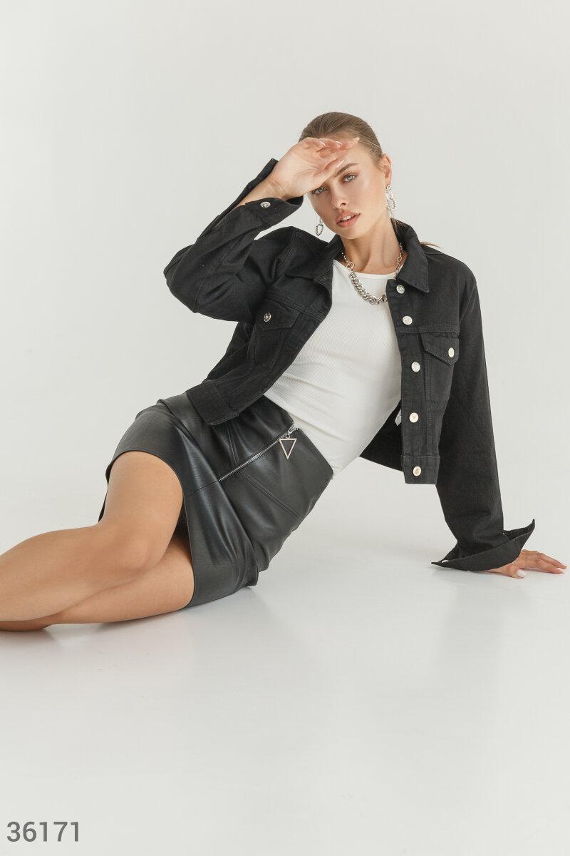 Короткая джинсовая куртка черная