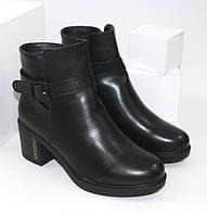 Женские ботинки на каблуке F63-3 черный