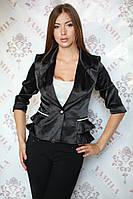 Красивый нарядный женский пиджак с рюшами