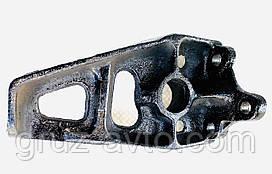 Кронштейн ЗИЛ-130 тормозной камеры или кулака разжимного правый / 130-3502120.