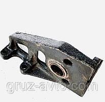 Кронштейн ЗИЛ-130 тормозной камеры или кулака разжимного левый / обычный мост / 130-3502121.