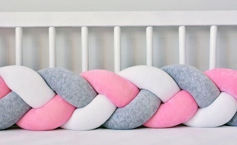 Бортик в кроватку Хатка Косичка Белый-Серый-Розовый
