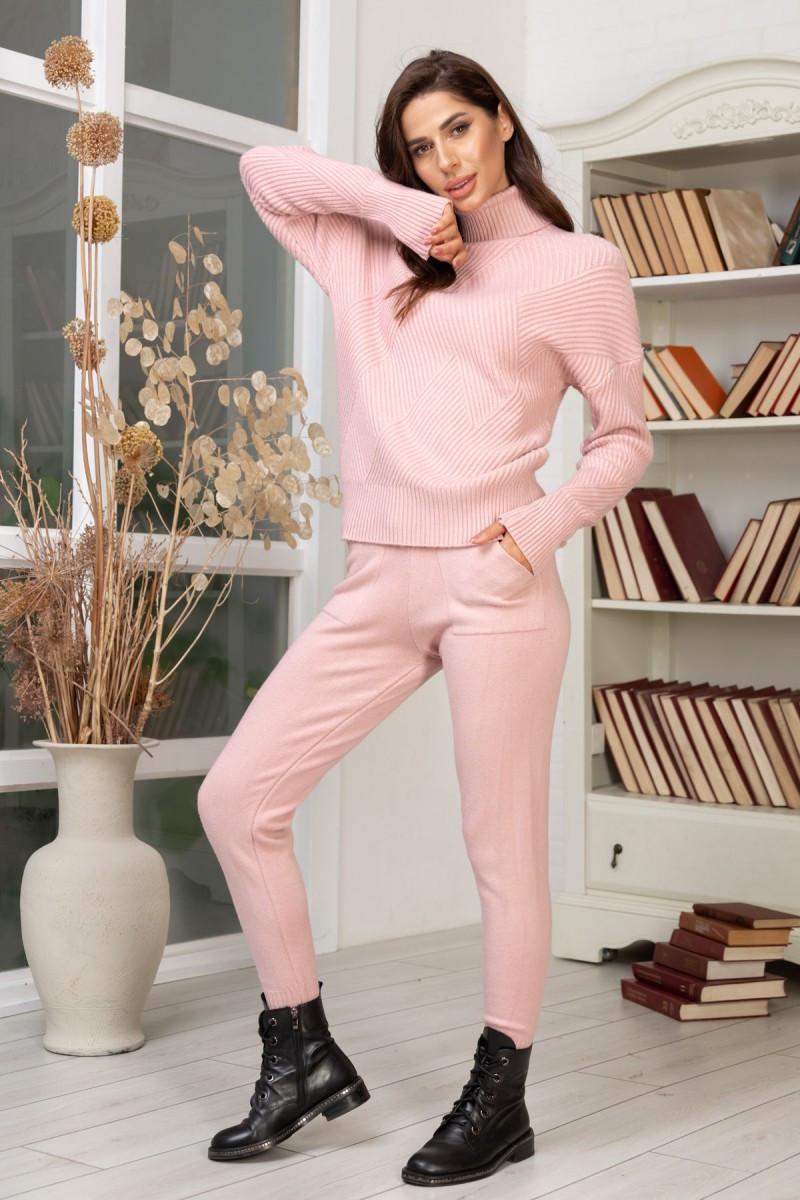 Костюм женский вязаный розовый 42-46