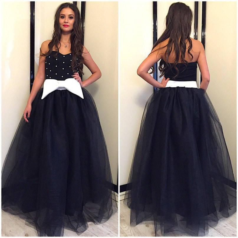 Платье с фатиновой юбкой и крупным бантом