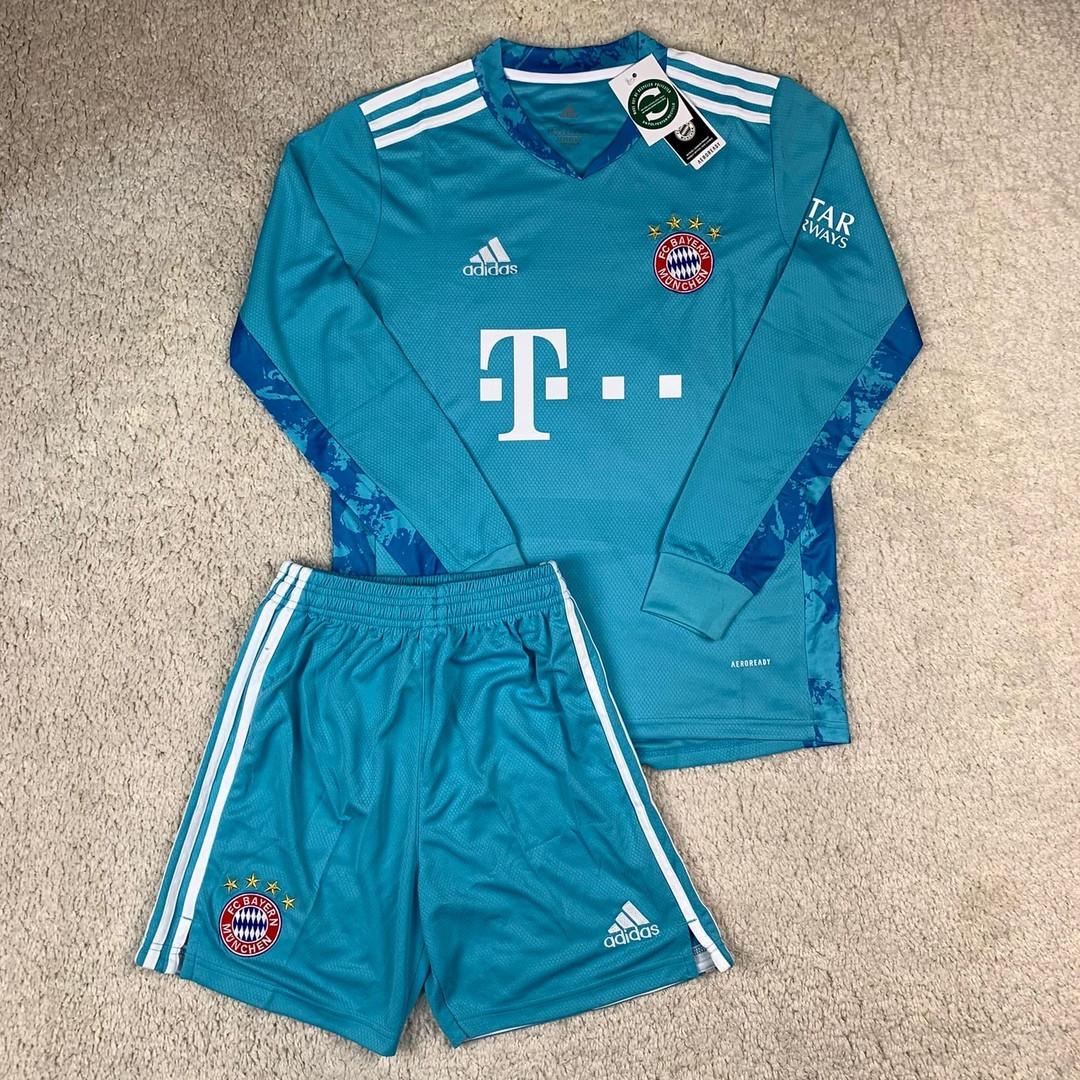 Вратарская футбольная форма Бавария Мюнхен сезон 2020-2021