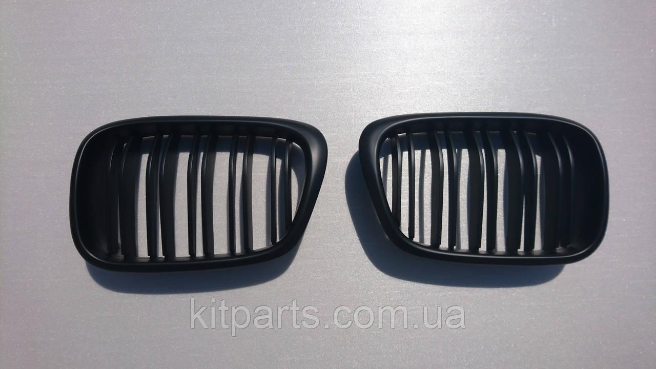 Решетка радиатора Ноздри BMW E39 мат