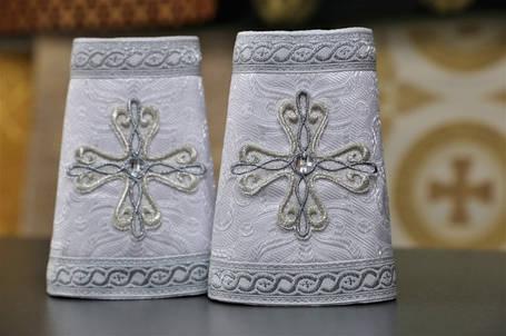 Білі з сріблом