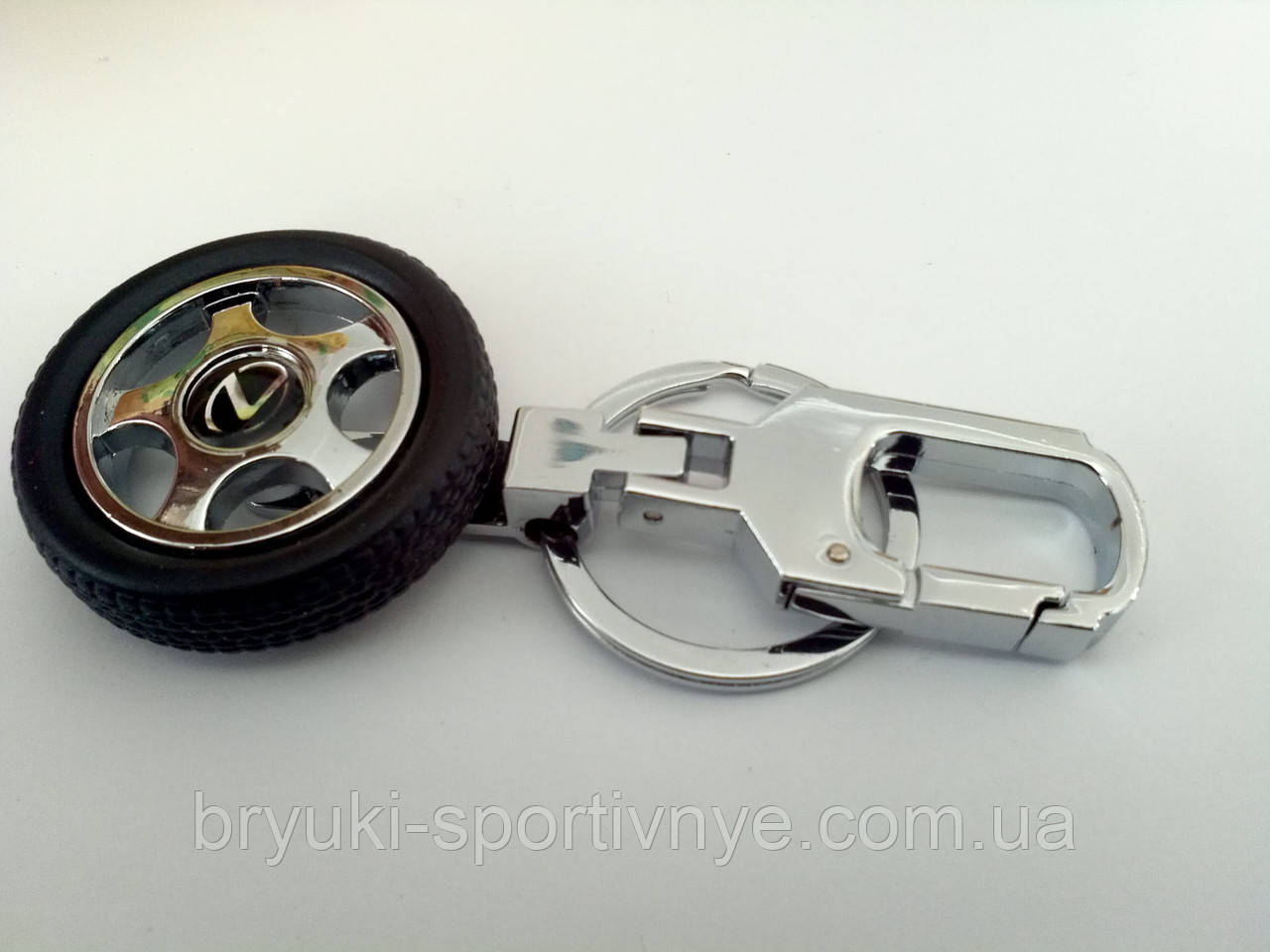 Брелок в форме колеса с логотипом Lexus