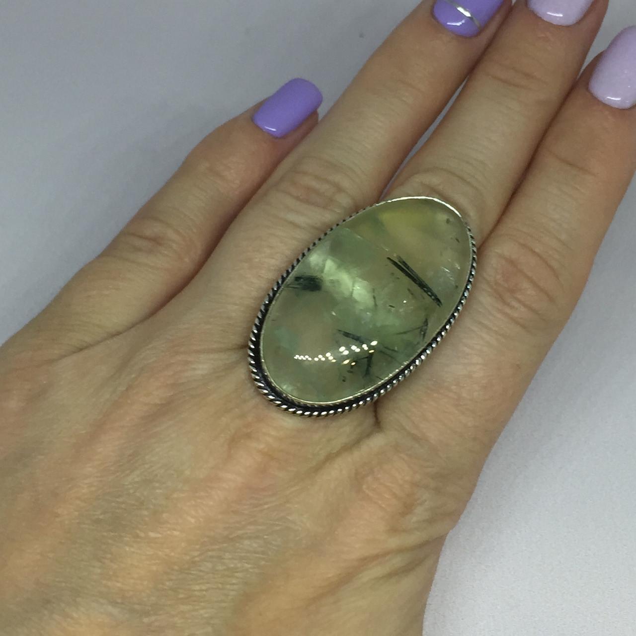Пренит кольцо 17,4 размер натуральный пренит в серебре