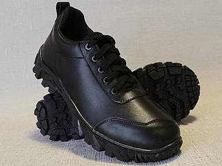 Демісезонні шкіряні кросівки TL-950 в чорному кольорі