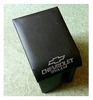 Підлокітник Chevrolet Нива чорний з логотипом