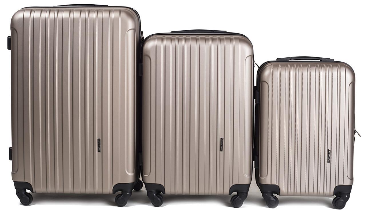 Набор чемоданов 3 штуки в 1 Wings 2011 на 4 колесах Шампань