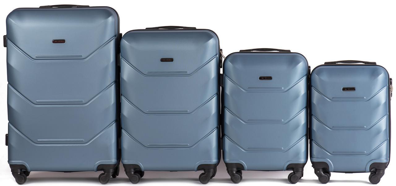 Набор чемоданов 4 штуки в 1 Wings 147 на 4 колесах Голубое серебро