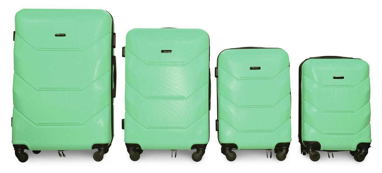 Набор чемоданов 4 штуки в 1 Fly 147 на 4 колесах Мятный