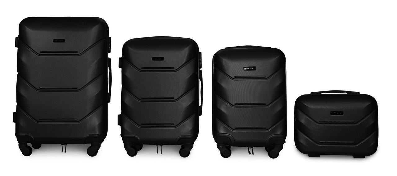 Набор чемоданов 4 штуки в 1 Fly К147 на 4 колесах Черный
