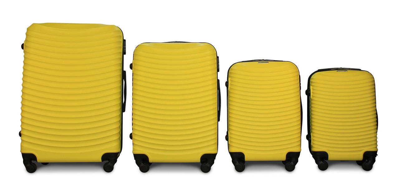 Набор чемоданов 4 штуки в 1 Fly 1053 на 4 колесах Желтый