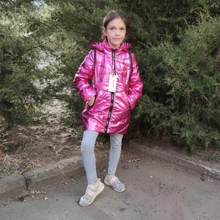 Детская демисезонная куртка пальто для девочки 4-6 лет малиновая блеск 2021