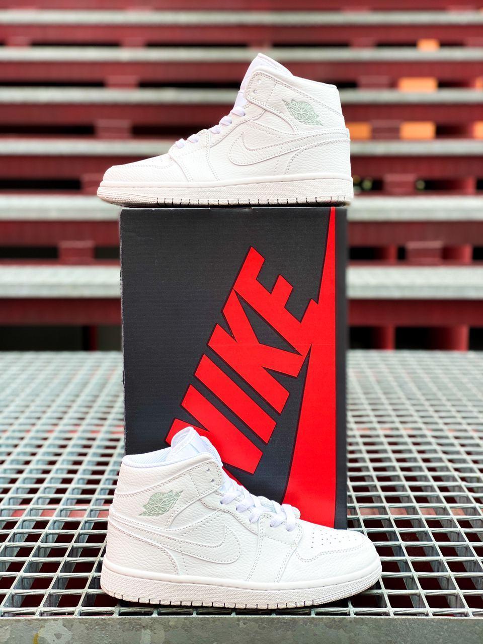 Женские кроссовки Nike Air Jordan 1 Retro Белые, Реплика люкс