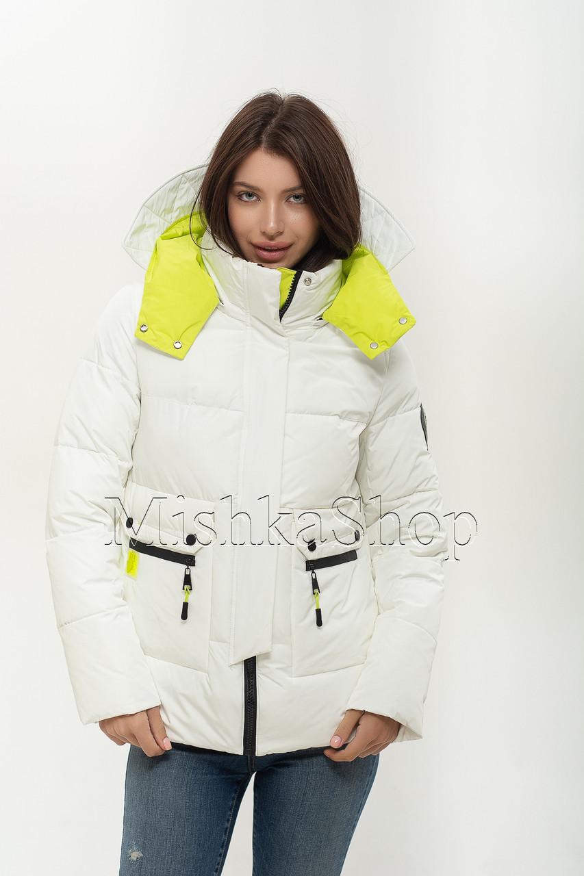 Короткий женский пуховик куртка Peercat 20-922 белого цвета