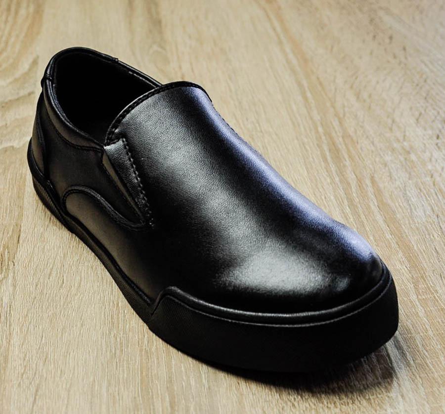 Слипоны черного цвета для мальчика, APAWWA