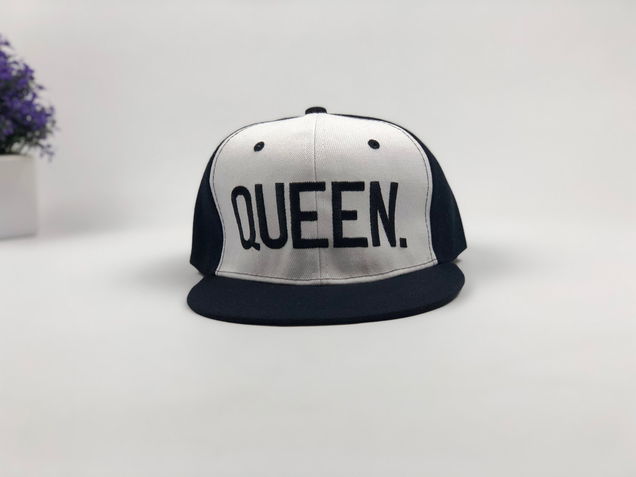 Снэпбек Snapback Кепка Бейсболка Снепбек City-A Queen Черно-белый с черным лого
