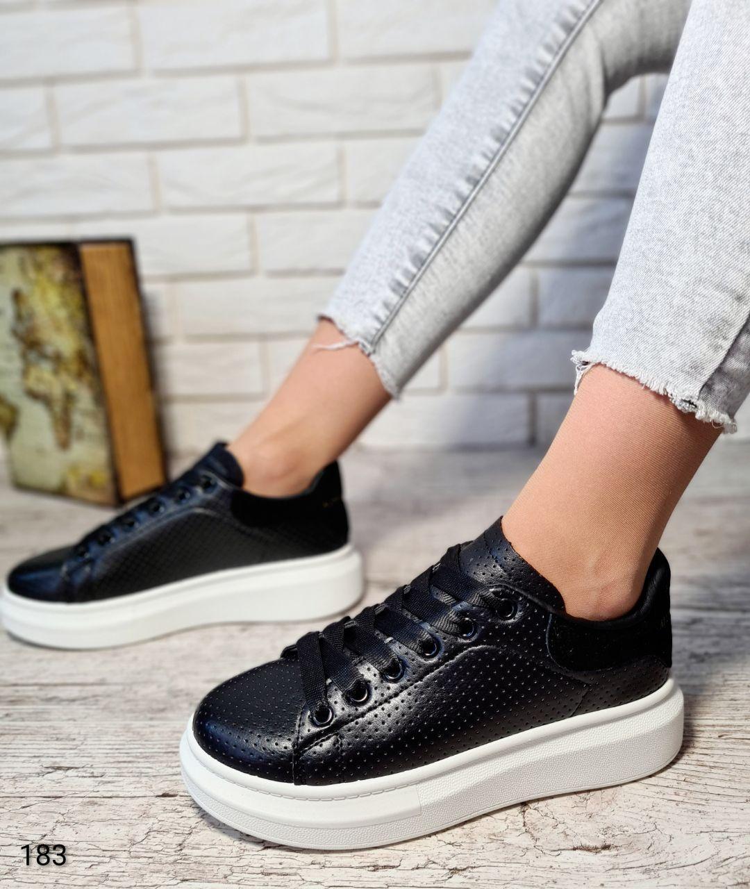 Классические женские кроссовки PITOK из эко кожи черного цвета