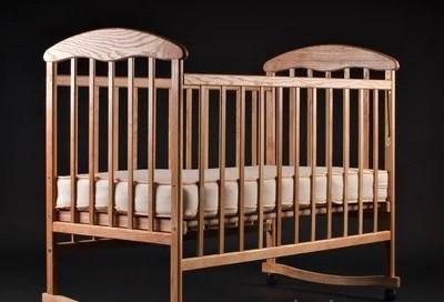 Детская кроватка    откидной бок ольха светлая