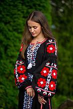 Чорно-червоне вишите, етнічне плаття на натуральній тканині з вишуканим дизайном.