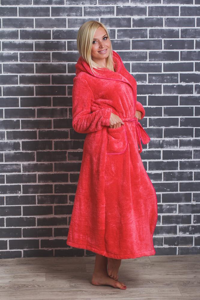 Длинный махровый халат с капюшоном