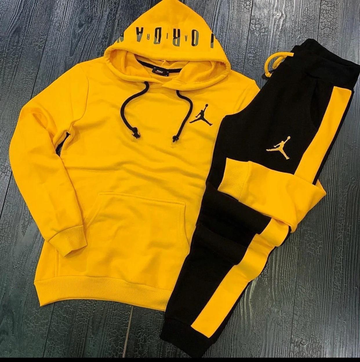 Мужской спортивный костюм карман кенгуру. Мужской спортивный костюм из турецкого трикотажа.