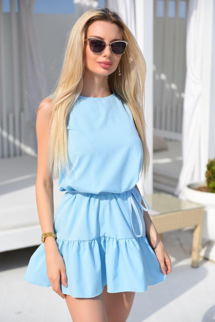 Платья летнее оборку по низу. Модное платье внизу с воланом.