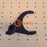 Вилка заднего хода синхронизированной КПП ЮМЗ 75-1702027А, фото 3