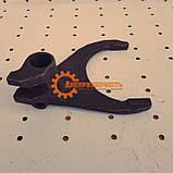 Вилка заднего хода синхронизированной КПП ЮМЗ 75-1702027А, фото 2