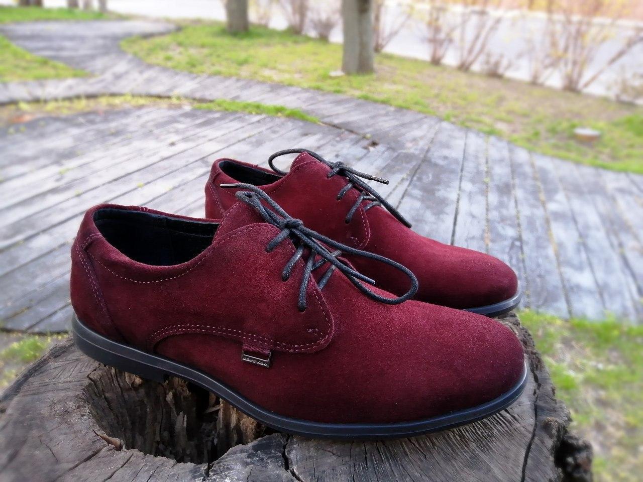 Мужские туфли дерби замшевые бордовые классические