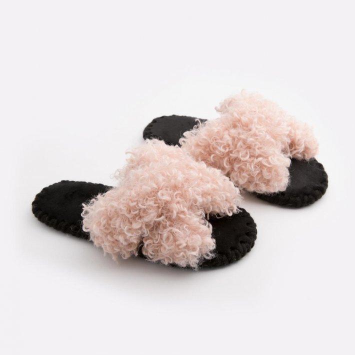 Женские домашние тапочки барашки иксики Розового цвета, Family Story