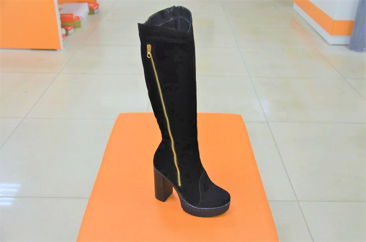 Зимние женские сапоги замшевые на каблуке 131114