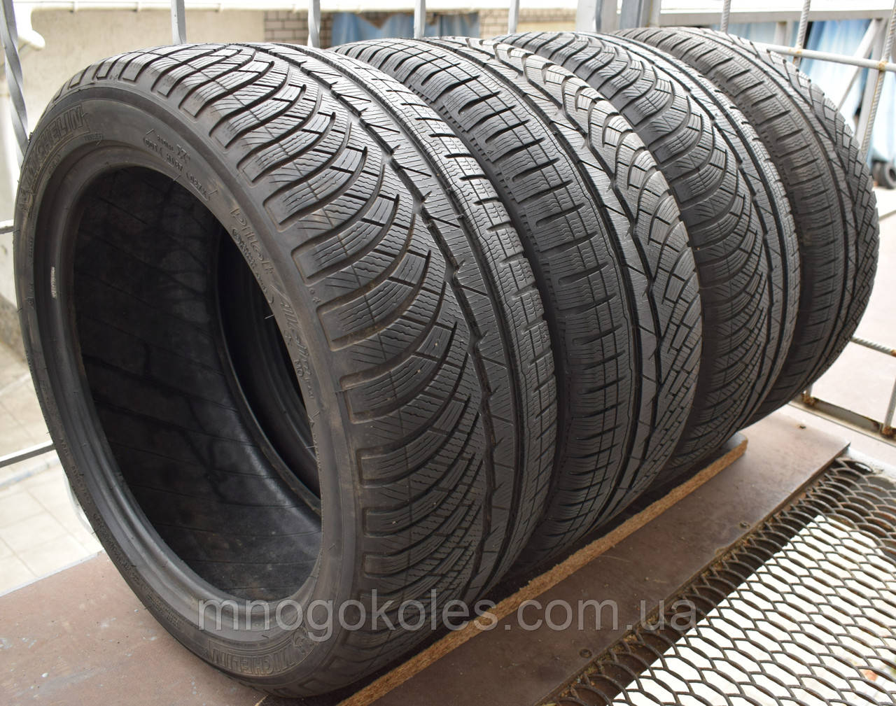 Шины б/у 245/45 R18 Michelin Pilot Alpin PA4, 2017 г., комплект