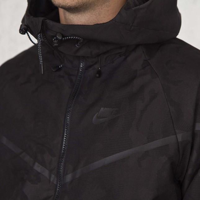 21a45367 Купить Мужская куртка Nike TECH WINDRUNNER (Артикул: 678635-010) в ...