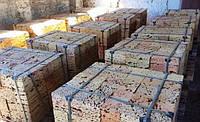Куб камня ракушняка для строительных баз на палетах (поддонах)